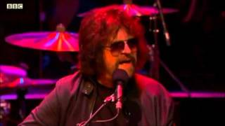 As you might know, Jeff Lynne opened his 2014 legendary Hyde Park c...