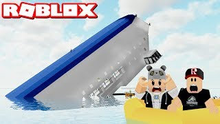 The ship is sinking! Trying to Survive - Roblox Sinking Ship with Panda