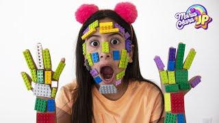 Nunca brinque com o Lego errado! ♥ Maria pretend play LEGO HANDS ليغو تعلق في وجه !!