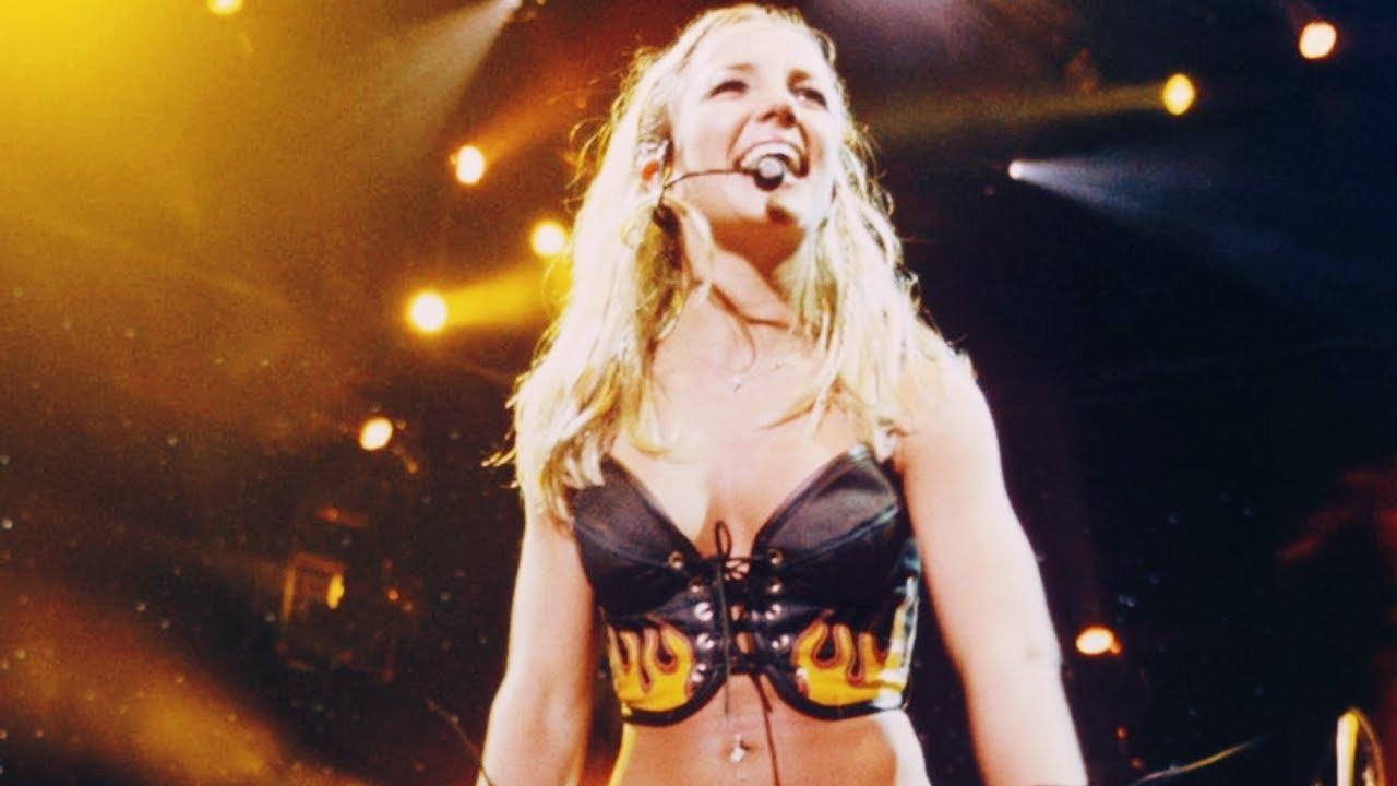 Download Britney Spears - Oops!...I Did It Again (Live In London) | Legendado