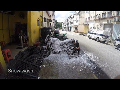 Yamaha MT-09 FZ-09 Sunday Bike Wash