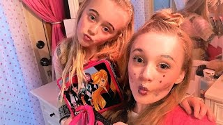 5 Minute Makeup Challenge full face using only kids makeup with Princess Ella & Playdoh Girl