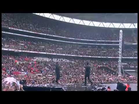 Wretch 32 & Example - Unorthodox (Live @ Wembley)