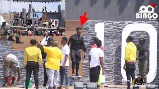BABUTALE asifia Stage kwa Madongo DIAMOND Kapita Wasanii Wote TZ Wanakuja Wanakataa