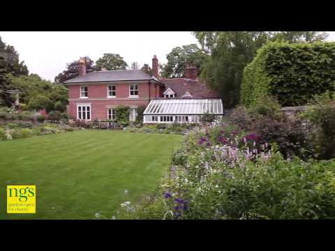 Anneka Rice's 2013 National Gardens Festival Weekend Challenge