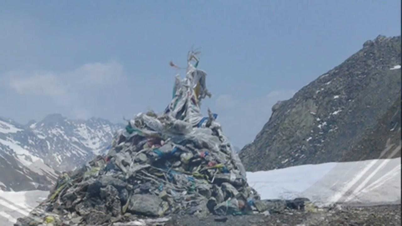 भारतले नेपाली भुमि मिचेर बाटो नै बनाउन थालेपछि नेपाली जनता रिसाएका छन् ||