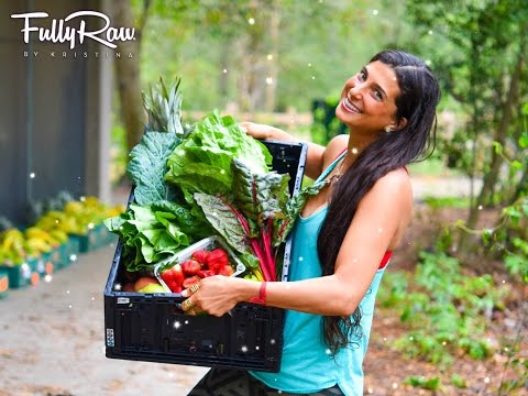 "FullyRaw Kristina Shares ""WHAT'S IN THE BOX""!"