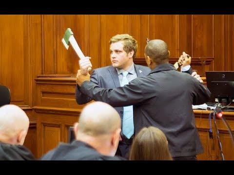 Henri van Breda re-enacts battle between him and alleged attacker in court