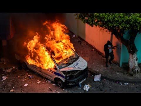 الجزائر: اعتقال 180 شخصا وإصابة العشرات من رجال الشرطة في المواجهات التي اندلعت بالعاصمة  - 13:55-2019 / 4 / 15