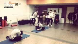 [i-Teen PLAY] 아이틴 연습실 스케치 (Sketch of i-Teen in training center)