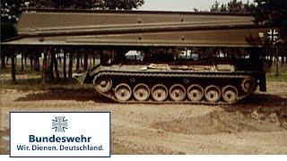 Classix: Brückenlegepanzer Biber wird in die Bundeswehr eingeführt (1974) - Bundeswehr