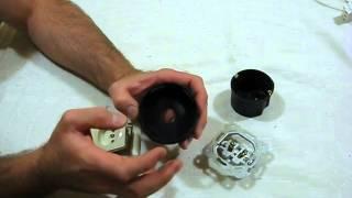 Установка розетки в советскую коробку.(Как установить розетку чтобы не выпадала., 2014-06-25T06:14:38.000Z)
