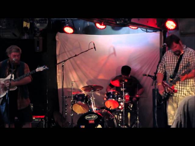 Yelloyuth Live @ Lalapalala 2014 Part Deux