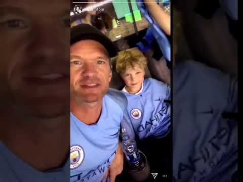 Download Neil Patrick Harris shouting Go Manchester United in a City top