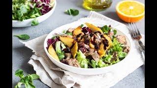 Салат с печенью и грушей