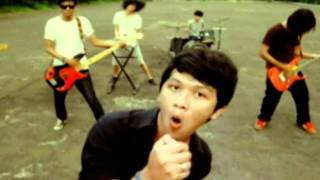 Safe My Holiday - Andai Aku Bisa (Official Video).wmv