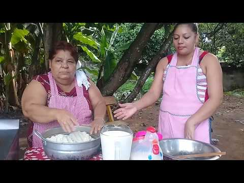 Cociendo la Masa para los Tamales Colados Parte#3