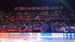 Mate Miso Kovac - poljubi zemlju  (Hrvatska - Srbija)   (Spaladium arena) 2018   Navijači
