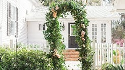 Mayesh Design Star: Smilax & Floral Arbor