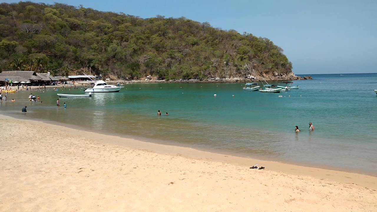 Bahía del Órgano es una de las bahías en Oaxaca para románticos y enamorados.