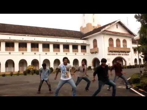 IIT Kharagpur students Dance on Katama Rayuda - Power Star Pawan Kalyan's Atharintiki Daaredi -