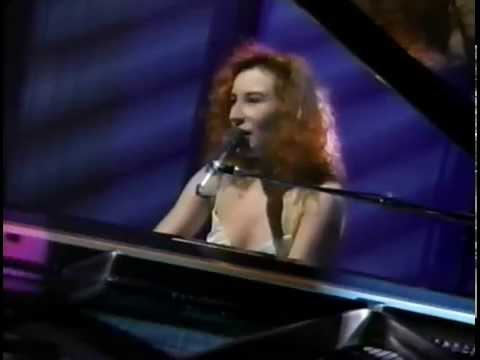 Tori Amos  - Silent All These Years + Crucify [5-13-92] mp3