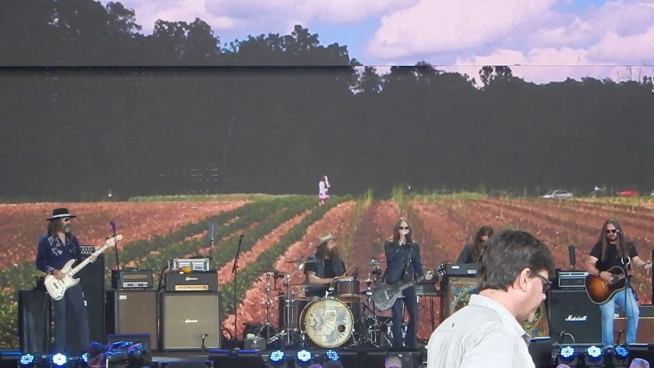 blackberry smoke one horse town at farm aid 2017 youtube. Black Bedroom Furniture Sets. Home Design Ideas
