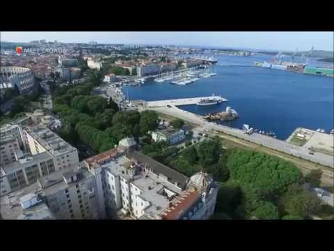 City of Pula (Istria, Croatia) accommodation Apartment by the sea near the amphitheater