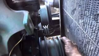 Ремонт водяного насоса китайского грузовика.