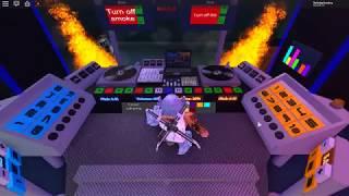 DJ bord in roblox fun