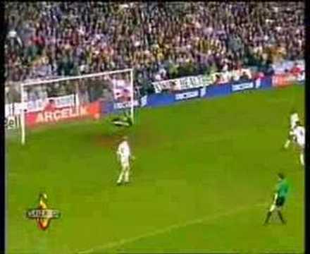 Hakan Şükür Leeds'e Süper Gol