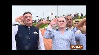 Watch Rishi Kapoor's Independence Day celebration in Mumbai