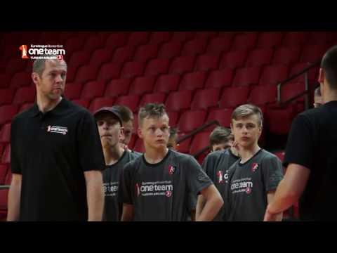 "BC Lietuvos Rytas legend R.Siskauskas visits ""One Team"" session"