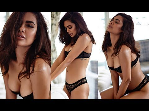 Top 10 Sexiest Bollywood Actresses - 2018
