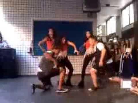 Cultural 2013  grupo ''Express dance'' 1º E