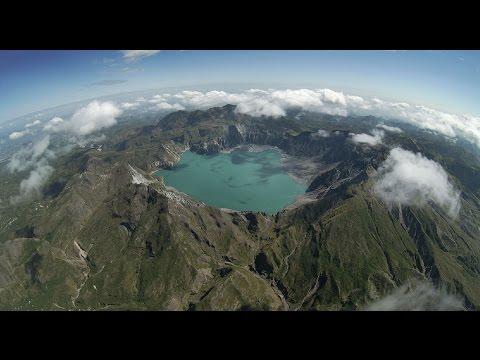 Hd The Vesuvius Volcano From Helicopter View Vesuvi