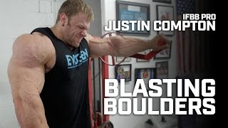 ifbb pro bodybuilder justin compton trains shoulders contest prep