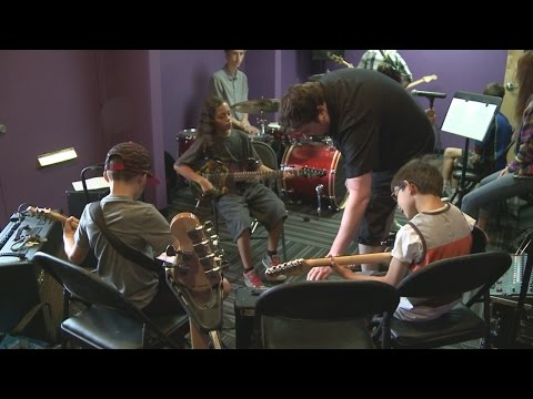 Albuquerque kids jam out at School of Rock