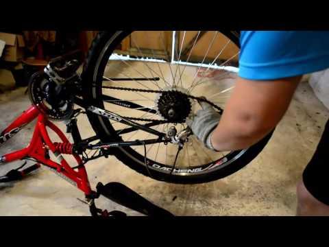 Снятие заднего колеса с велосипеда