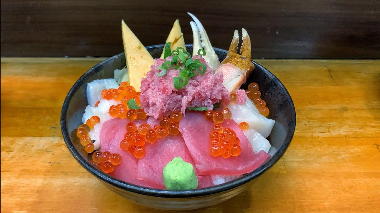 Japanese Street Food in TSUKIJI Market | Tokyo Japan