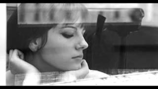 Stefania Sandrelli (Io la conoscevo bene) - Sergio Endrigo (Mani bucate)