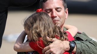 Repeat youtube video Soldiers Coming Home Surprise Compilation 2016 - 16