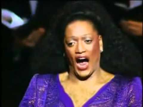 Jessye Norman - Sanctus (Gounod).avi