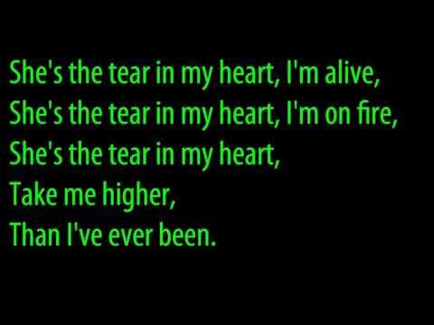 Oona - Tore My Heart Lyrics   MetroLyrics