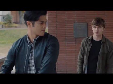 Зак и Алекс разрушают стекло. Сериал