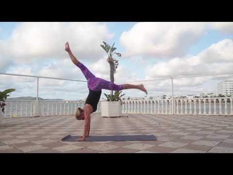 www.delamaydevi.com A progressive morning Prana Vinyasa yoga practice with Delamay in Ibiza. Cultivating strength, stamina and over all grace with handstand transitions, standing poses and inversions. Music Credit Artist: Rising Appalachia Song: You and I Are Falling, You and I Are Free Album: The Sails of Self Thanks for watching!