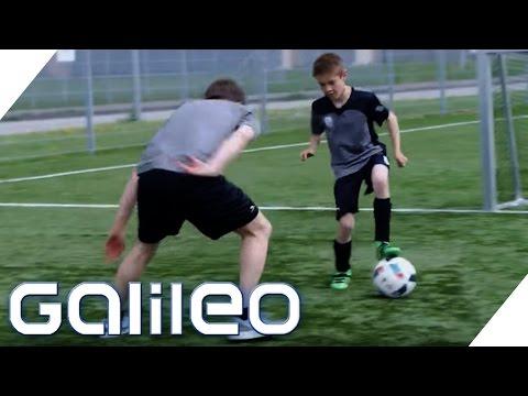 Schulfach Fußballtricks? Harter Alltag in einem deutschen Fußballinternat  Galileo  ProSieben
