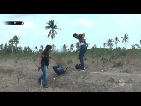 Aksi Menegangkan Kejar-kejaran Perugas Dengan Warga Pembawa Senjata Api - 86
