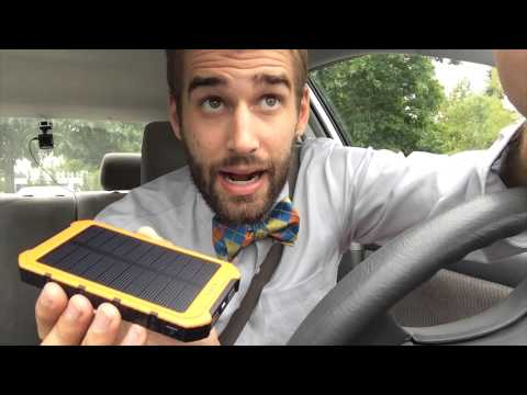 ★★★★☆ Solar Charger Power Bank Review - FLOUREON 10000mAh Solar Battery Charger - Amazon
