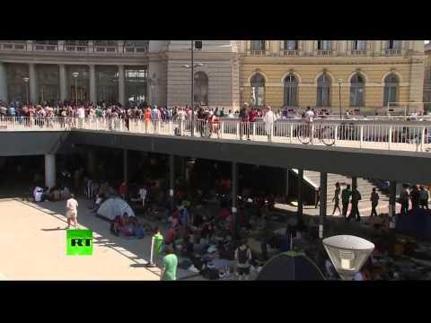 La gare internationale de Budapest évacuée pour empêcher les migrants de prendre les trains d'assaut